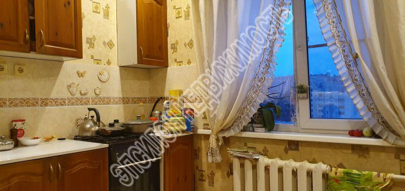 Продам 2-комнатную квартиру в городе Курск, на улице Студенческая, 20, 10-этаж 10-этажного Панель дома, площадь: 50/33/10 м2