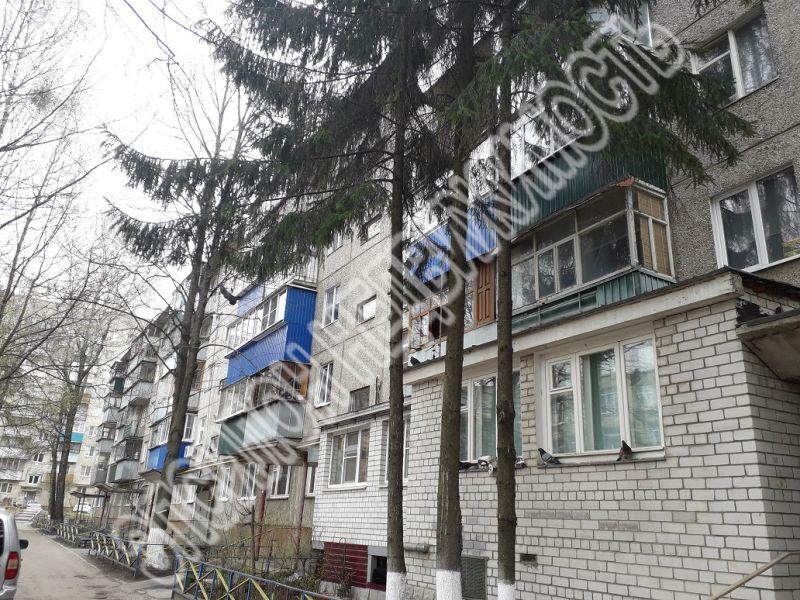 Продам 2-комнатную квартиру в городе Курск, на улице Димитрова, 99, 3-этаж 5-этажного Панель дома, площадь: 46/28.6/5.8 м2