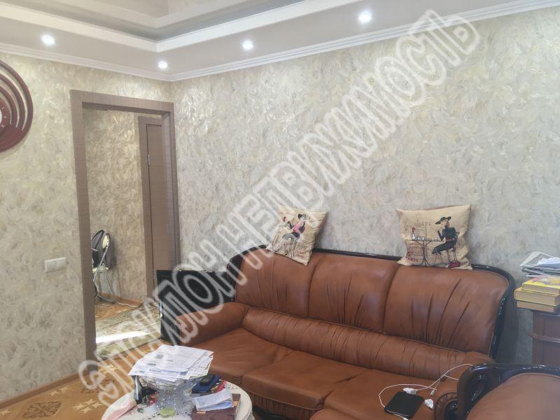 Продам 2-комнатную квартиру в городе Курск, на улице Студенческая, 3, 5-этаж 12-этажного Кирпич дома, площадь: 47.4/28/8 м2