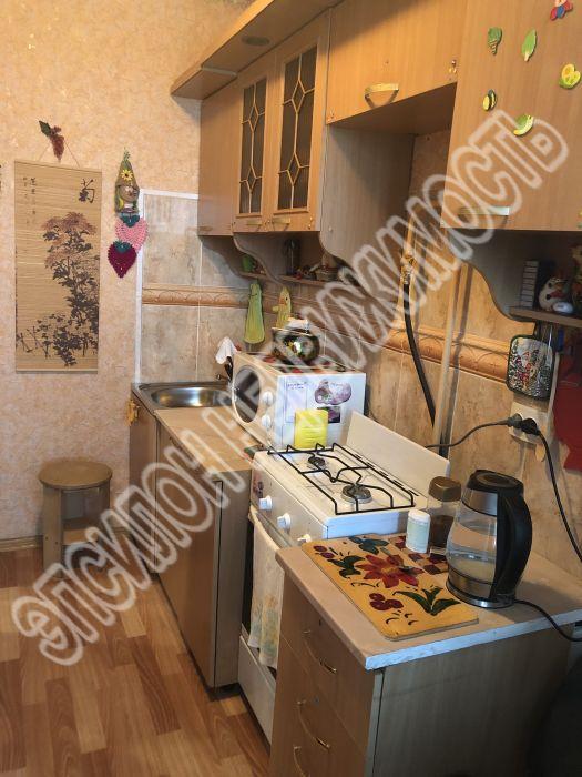 Продам 1-комнатную квартиру в городе Курск, на улице Ленинского Комсомола пр-т, 50, 9-этаж 9-этажного Кирпич дома, площадь: 30/13/8 м2