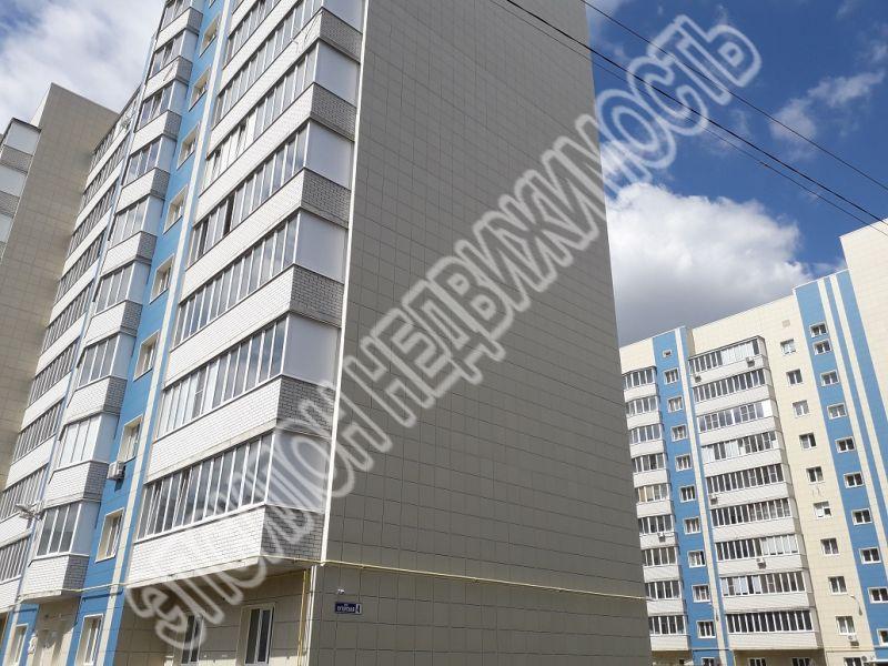 Продам 3-комнатную квартиру в городе Курск, на улице Хуторская, 4, 3-этаж 10-этажного Монолит дома, площадь: 98.34/53.98/15.87 м2