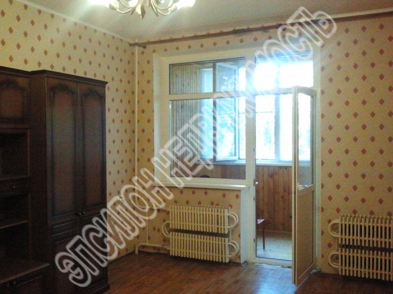 Продам 2-комнатную квартиру в городе Курск, на улице Карла маркса, 72/15, 1-этаж 5-этажного Панель дома, площадь: 65/39/9 м2
