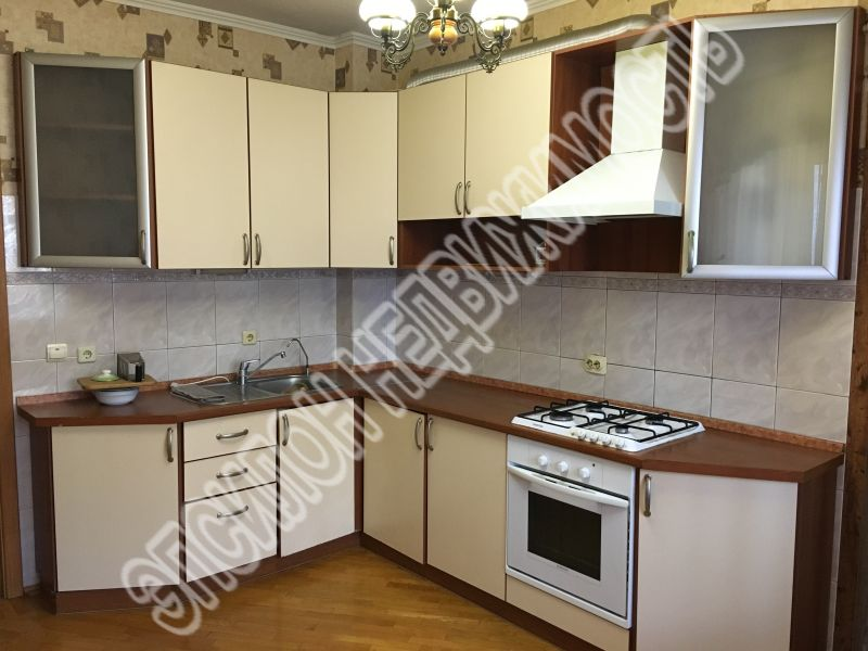 Продам 4-комнатную квартиру в городе Курск, на улице Хуторская, 12г, 3-этаж 9-этажного Кирпич дома, площадь: 97/65/12 м2