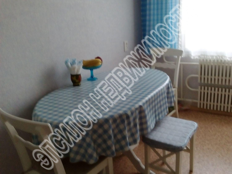 Продам 4-комнатную квартиру в городе Курск, на улице Косухина, 37, 6-этаж 9-этажного Панель дома, площадь: 77.8/54.3/8.6 м2