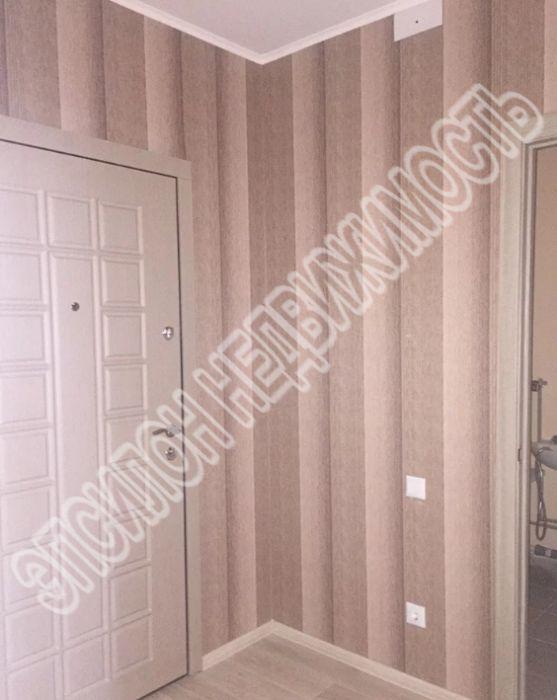 Продам 2-комнатную квартиру в городе Курск, на улице Домостроителей, 8, 3-этаж 17-этажного Панель дома, площадь: 57.39/29.4/10.97 м2