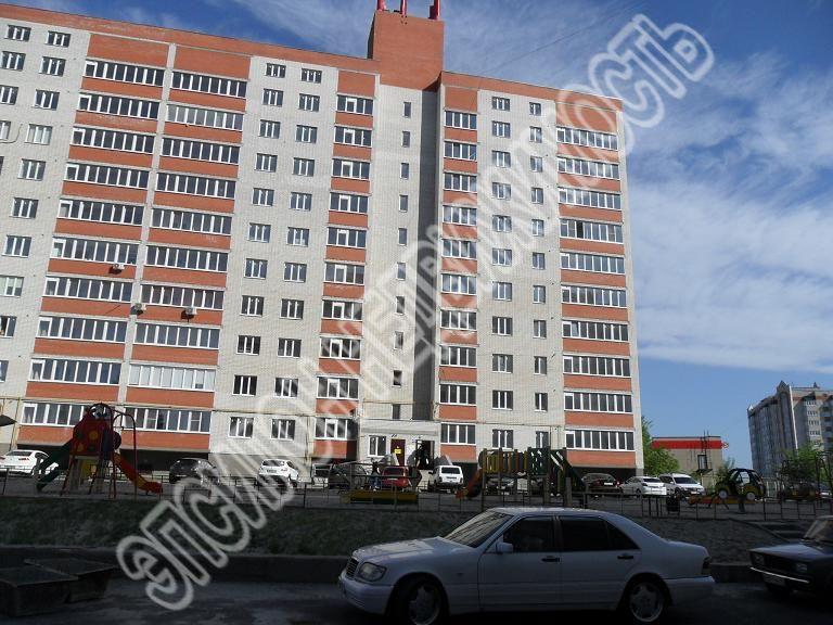 Продам 1-комнатную квартиру в городе Курск, на улице Звездная, 11б, 1-этаж 10-этажного Кирпич дома, площадь: 44.38/18.04/8.21 м2