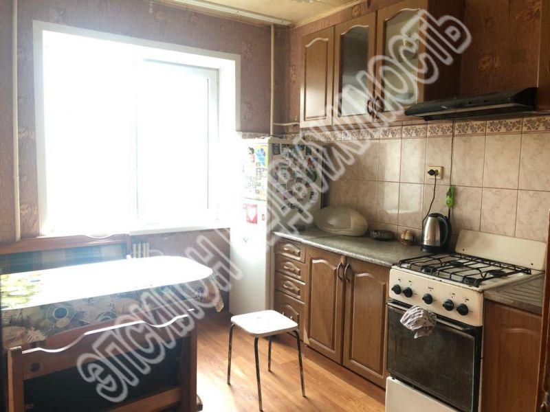 Продам 3-комнатную квартиру в городе Курск, на улице К. Воробьева, 23, 6-этаж 9-этажного Панель дома, площадь: 61/39/9 м2