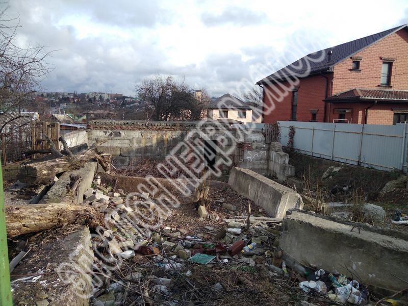 Курск, ул.Новая Заречная, 13, площадь: 600  м2, участок: 6 соток.