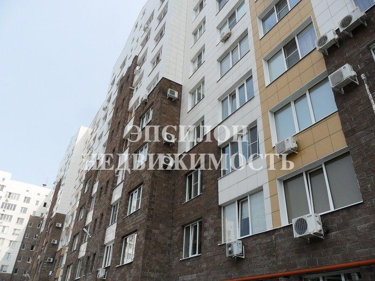 Продам 3-комнатную квартиру в городе Курск, на улице Володарского, 70, 2-этаж 10-этажного Монолит дома, площадь: 120/63/20 м2