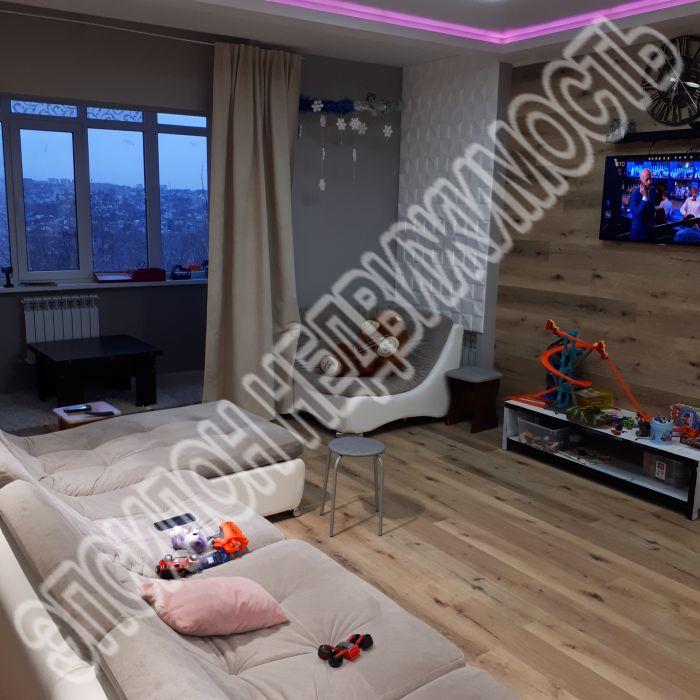 Продам 4-комнатную квартиру в городе Курск, на улице Семеновская, 62, 3-этаж 3-этажного Монолит дома, площадь: 130/80/20 м2