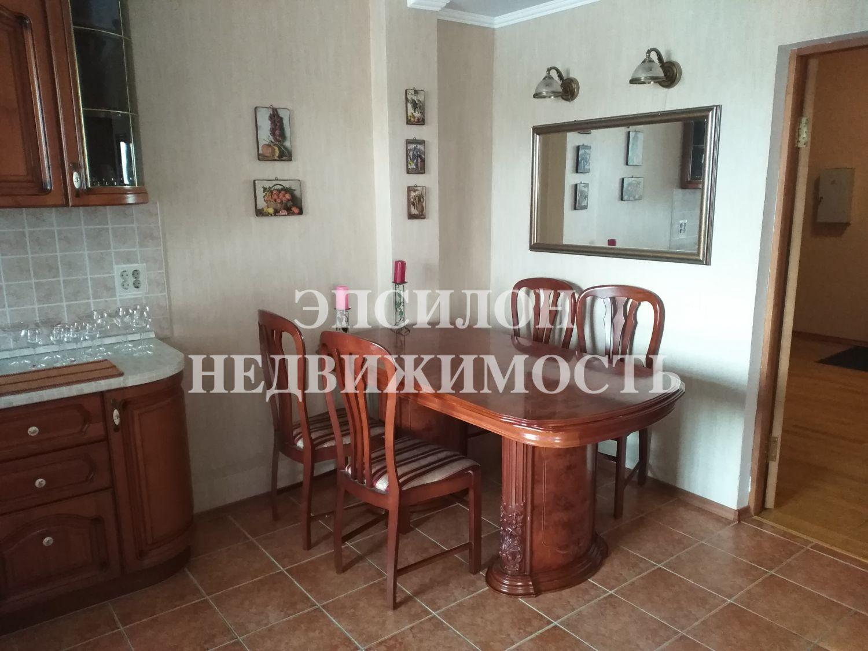 Продам 3-комнатную квартиру в городе Курск, на улице Советская, 12, 2-этаж 9-этажного Монолит-кирпич дома, площадь: 106/62.5/13.2 м2