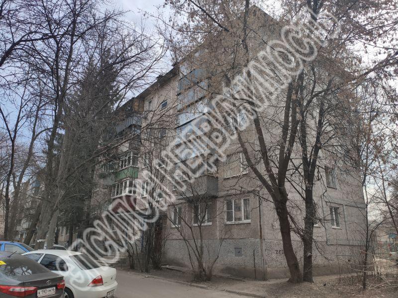 Продам 2-комнатную квартиру в городе Курск, на улице Димитрова, 93, 2-этаж 5-этажного Панель дома, площадь: 43.8/28/5.8 м2