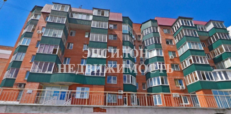 Продам 2-комнатную квартиру в городе Курск, на улице Володарского, 56, 2-этаж 6-этажного Кирпич дома, площадь: 62.3/34.2/8.8 м2