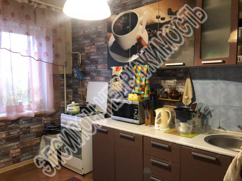 Продам 4-комнатную квартиру в городе Курск, на улице Дружбы пр-т, 6, 5-этаж 9-этажного Панель дома, площадь: 76.4/53.6/8.4 м2