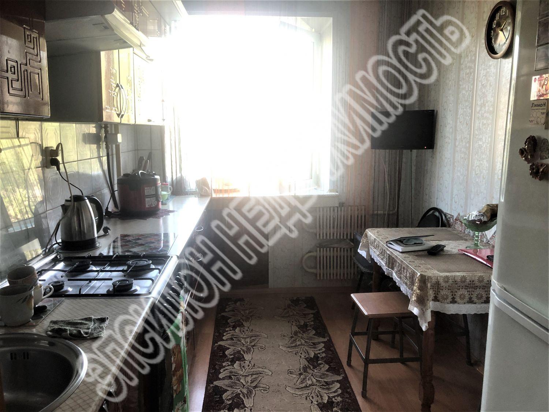 Продам 3-комнатную квартиру в городе Курск, на улице Черняховского, 27, 4-этаж 9-этажного Кирпич дома, площадь: 60/37.4/7.4 м2