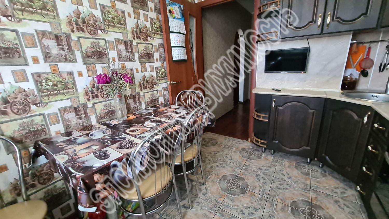Продам 2-комнатную квартиру в городе Курск, на улице Черняховского, 52, 9-этаж 9-этажного Панель дома, площадь: 46/29/7 м2