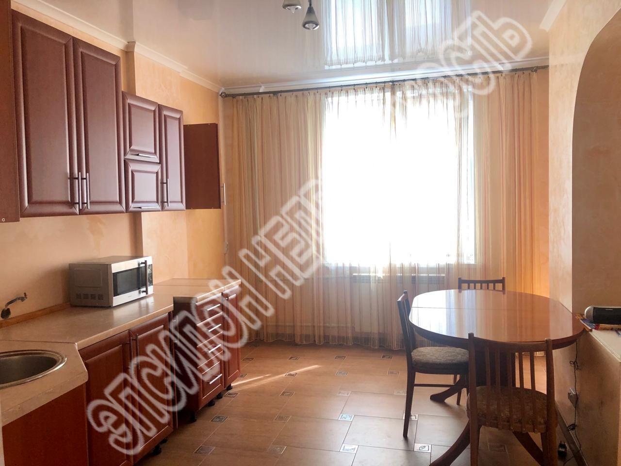 Продам 3-комнатную квартиру в городе Курск, на улице Почтовая, 12, 4-этаж 17-этажного Монолит-кирпич дома, площадь: 86.3/46.4/14.9 м2
