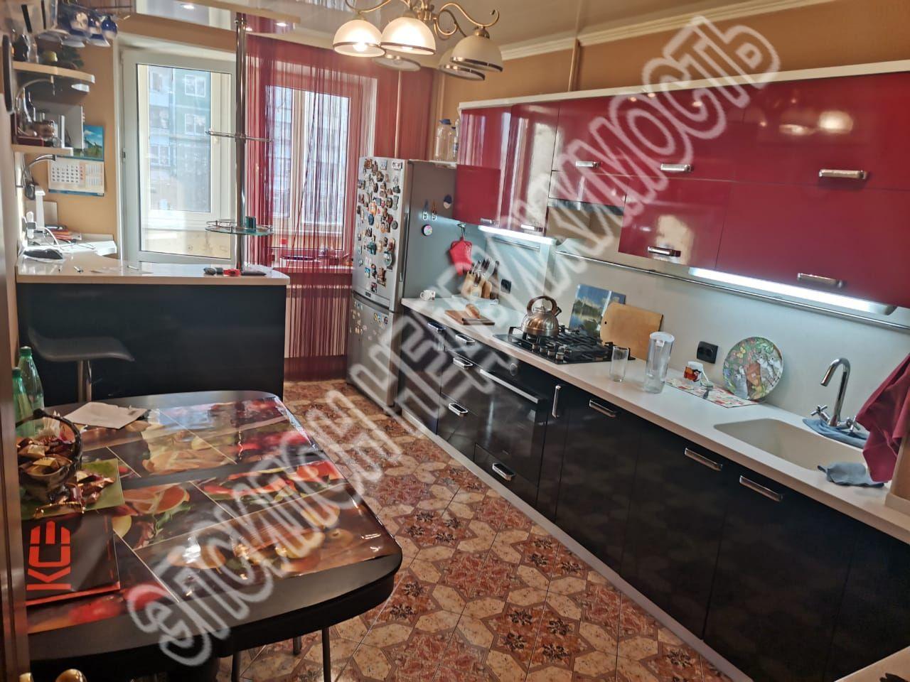 Продам 3-комнатную квартиру в городе Курск, на улице Звездная, 15, 4-этаж 9-этажного Панель дома, площадь: 84.1/56/16 м2