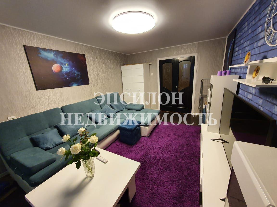 Продам 4-комнатную квартиру в городе Курск, на улице Республиканская, 50а/1, 3-этаж 5-этажного Кирпич дома, площадь: 71.8/46.7/7.5 м2