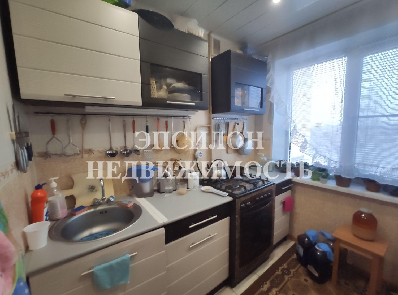Продам 4-комнатную квартиру в городе Курск, на улице Гагарина, 20, 4-этаж 5-этажного Панель дома, площадь: 61/44.4/5.9 м2