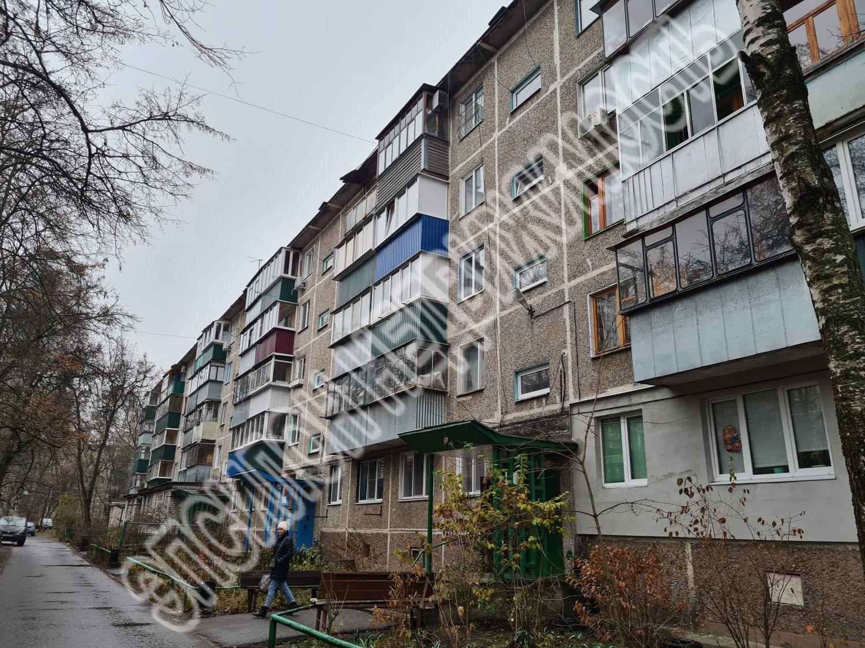Продам 2-комнатную квартиру в городе Курск, на улице Комарова, 19, 5-этаж 5-этажного Панель дома, площадь: 47.2/34/6 м2