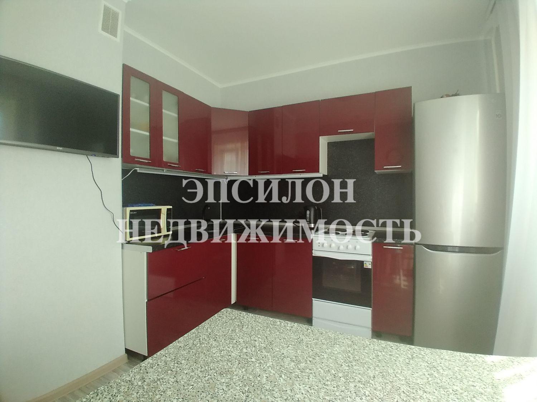 Продам 1-комнатную квартиру в городе Курск, на улице А. Дериглазова пр-т, 85, 13-этаж 17-этажного Панель дома, площадь: 37.2/17.16/9.77 м2