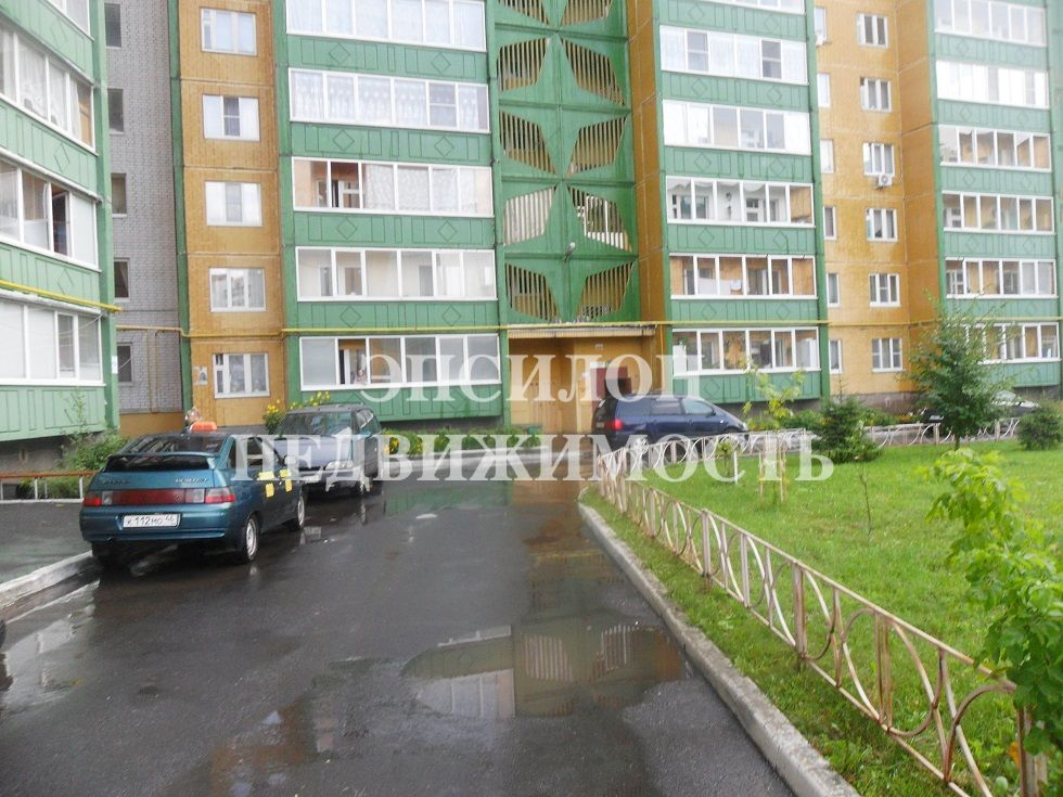 Продам 2-комнатную квартиру в городе Курск, на улице Звездная, 23, 8-этаж 10-этажного Панель дома, площадь: 50/28.1/9.19 м2