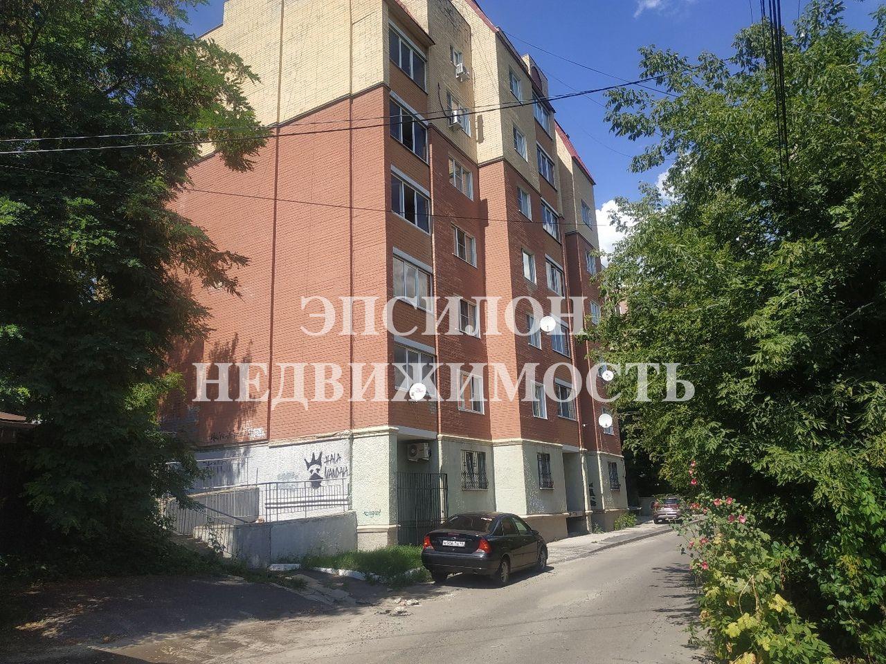 Продам 3-комнатную квартиру в городе Курск, на улице Уфимцева, 17, 2-этаж 6-этажного Кирпич дома, площадь: 61/46/8 м2