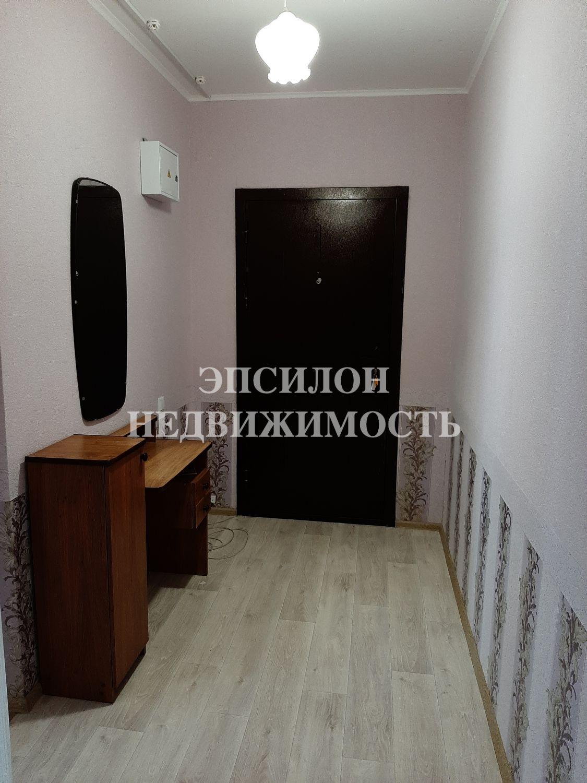 Продам 2-комнатную квартиру в городе Курск, на улице Домостроителей, 2, 12-этаж 17-этажного Панель дома, площадь: 61.24/33.72/10.97 м2