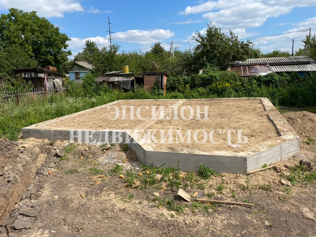 Город: Курск, улица: площадь: 72 м2, участок: 5 соток