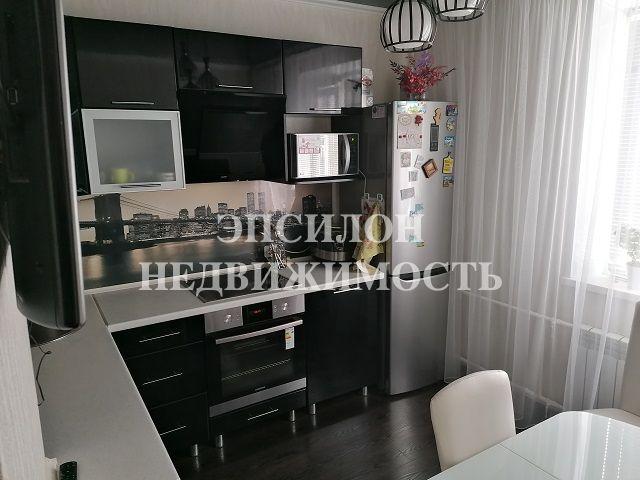 Продам 1-комнатную квартиру в городе Курск, на улице В. Клыкова пр-т, 58, 15-этаж 17-этажного Панель дома, площадь: 38.56/18.77/9.77 м2
