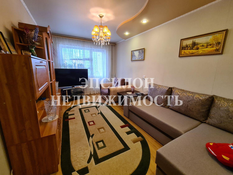 Продам 2-комнатную квартиру в городе Курск, на улице Черняховского, 18, 1-этаж 9-этажного Панель дома, площадь: 46.7/28.5/8 м2