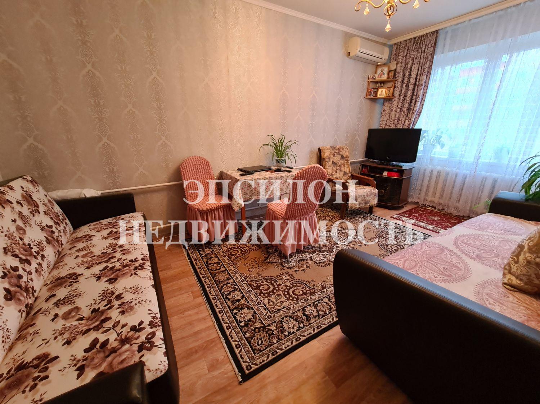 Продам 3-комнатную квартиру в городе Курск, на улице К. Воробьева, 25, 6-этаж 9-этажного Панель дома, площадь: 61/38/9 м2