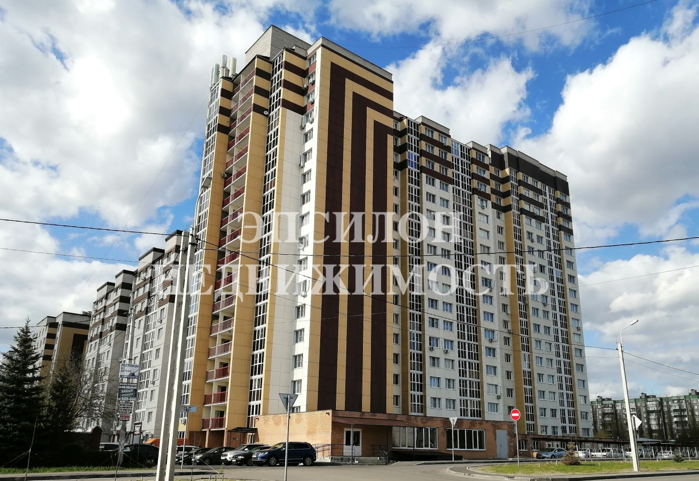 Продам 2-комнатную квартиру в городе Курск, на улице Дружбы пр-т, 19в, 13-этаж 18-этажного Монолит-кирпич дома, площадь: 76/38.81/14 м2