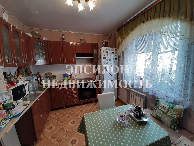 Продам 3-комнатную квартиру в городе Курск, на улице В. Клыкова пр-т, 46, 5-этаж 17-этажного Панель дома, площадь: 84.83/47.77/9.77 м2