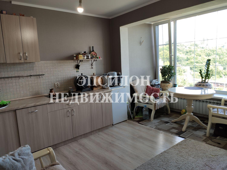 Продам 1-комнатную квартиру в городе Курск, на улице Береговая, 5, 7-этаж 17-этажного Кирпич дома, площадь: 37.9/18/9 м2