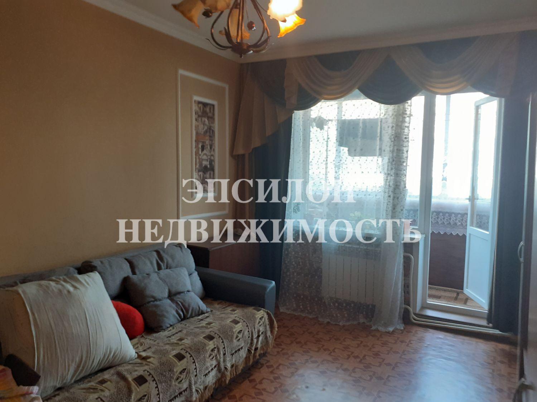 Продам 2-комнатную квартиру в городе Курск, на улице Магистральный проезд, 7, 2-этаж 9-этажного Панель дома, площадь: 46/28/8 м2