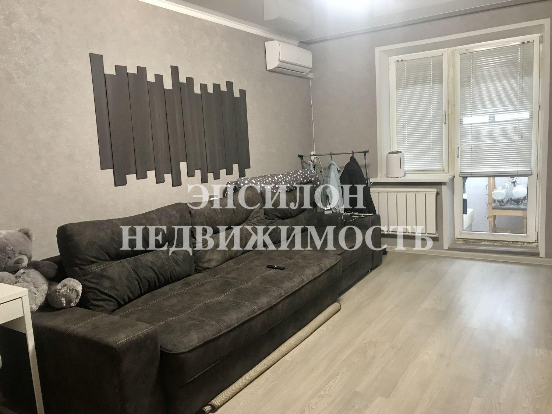 Продам 1-комнатную квартиру в городе Курск, на улице Бойцов 9-й Дивизии, 181, 2-этаж 10-этажного Панель дома, площадь: 47/17.3/14 м2