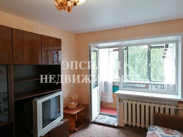 Продам 2-комнатную квартиру в городе Курск, на улице Энгельса, 16, 3-этаж 5-этажного Кирпич дома, площадь: 42.5/25.8/5.2 м2