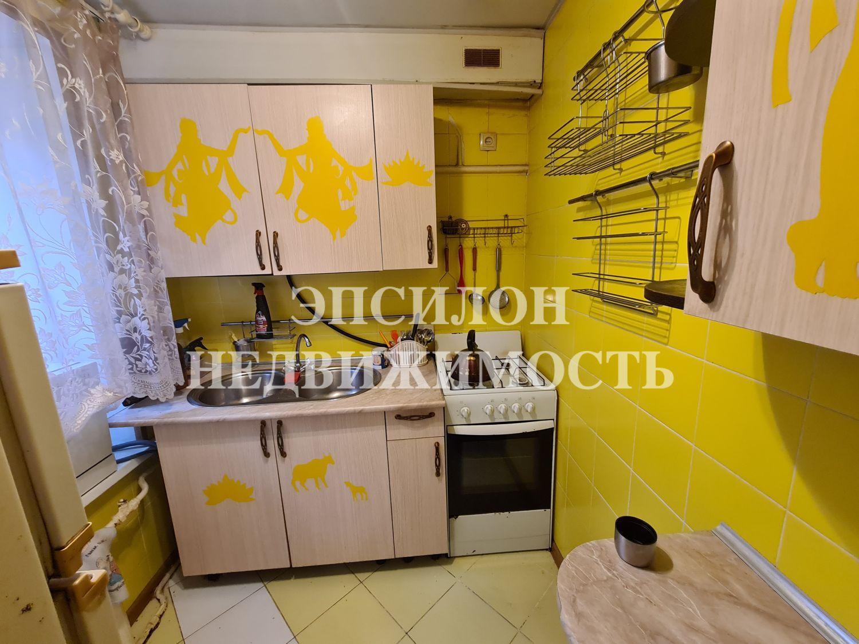 Продам 2-комнатную квартиру в городе Курск, на улице Димитрова, 4, 1-этаж 2-этажного Кирпич дома, площадь: 34.6/25.4/4.3 м2