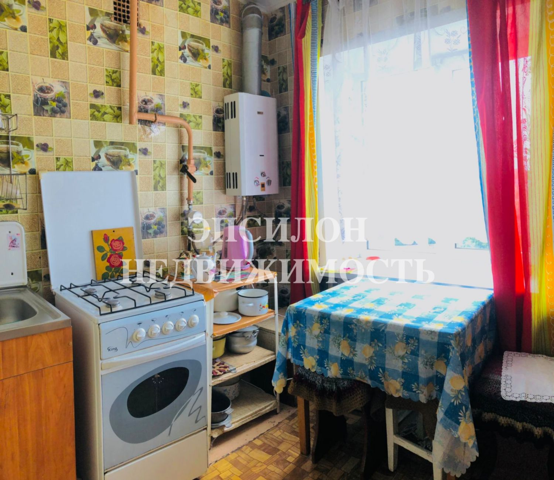 Продам 2-комнатную квартиру в городе Курск, на улице Энгельса, 14, 5-этаж 5-этажного Кирпич дома, площадь: 43/26/6 м2