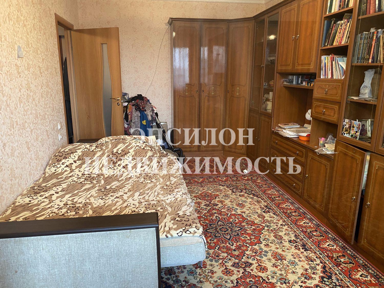 Продам 1-комнатную квартиру в городе Курск, на улице Хрущева пр-т, 36, 10-этаж 10-этажного Панель дома, площадь: 33.29/18/9 м2