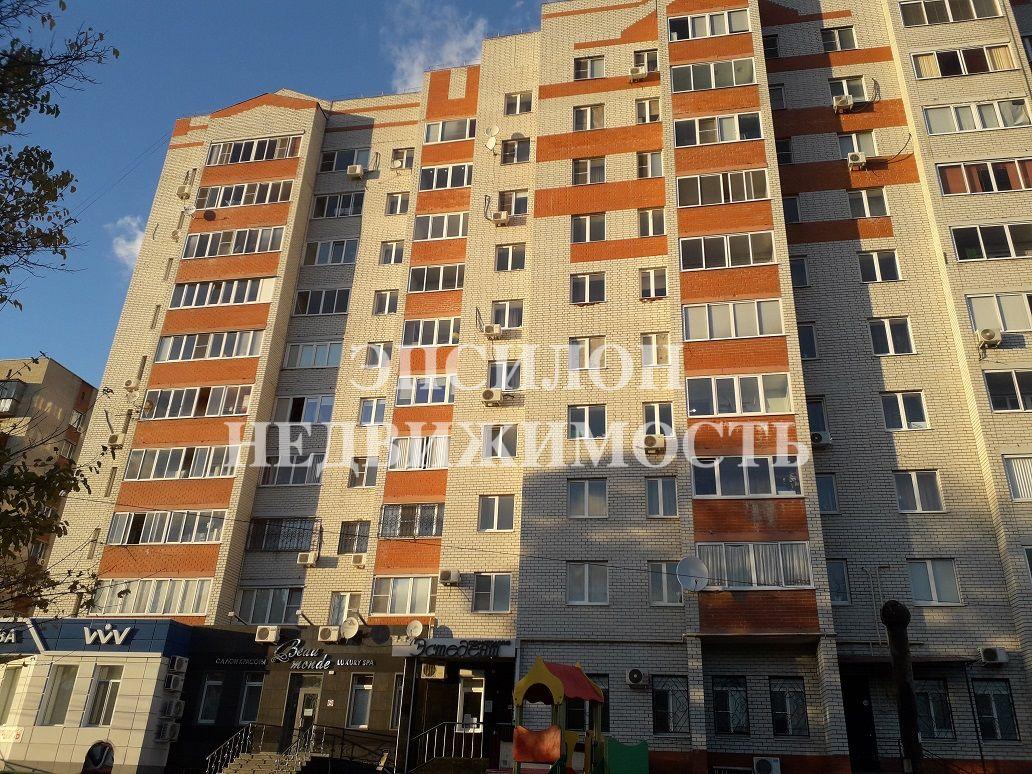 Продам 3-комнатную квартиру в городе Курск, на улице Пушкарная 1-я, 21, 9-этаж 10-этажного Кирпич дома, площадь: 86.5/41/35 м2