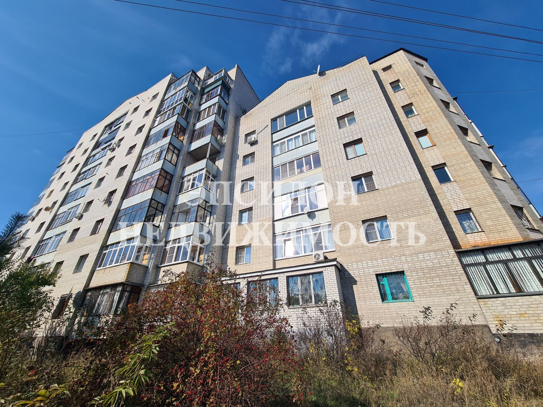 Продам 3-комнатную квартиру в городе Курск, на улице Хуторская, 13, 3-этаж 6-этажного Кирпич дома, площадь: 95.7/51.7/14.7 м2